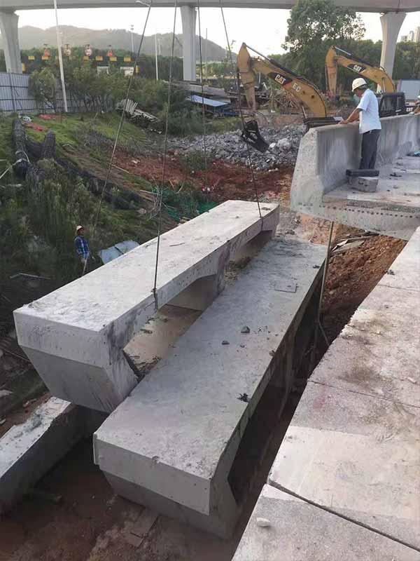 西安支撑梁切割|设备混凝土基础支撑梁切割绳锯版